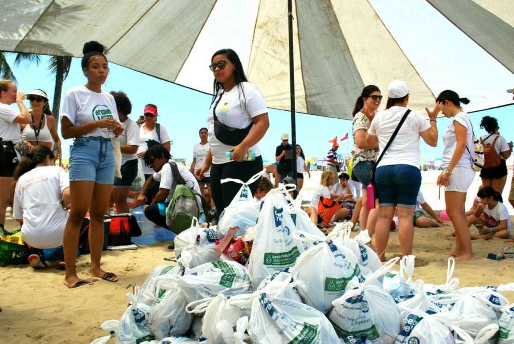Beach Clean up 30